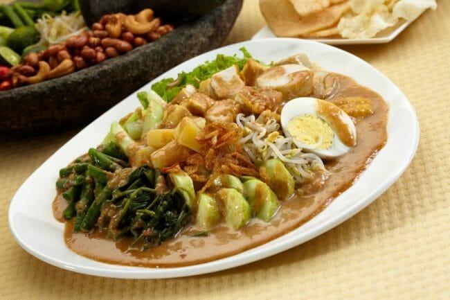 Gado-gado, Makanan khas Indonesia yang mendunia.