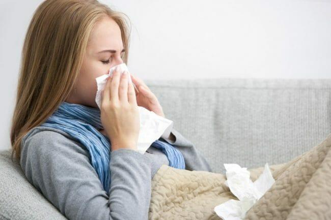 Hidung dan tenggorokan yang terganggu akibat suatu penyakit dapat mengakibatkan bau mulut