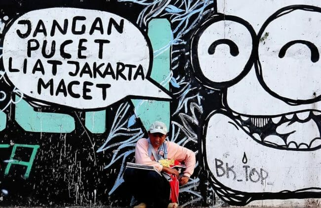Grafiti di salah satu tembok sudut jalanan Jakarta