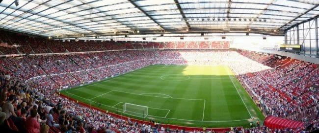 Stadion Kebanggaan MU Old Traffod