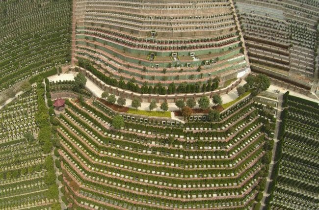 Makam di Hangzhou, provinsi Zhejiang, Cina dari udara