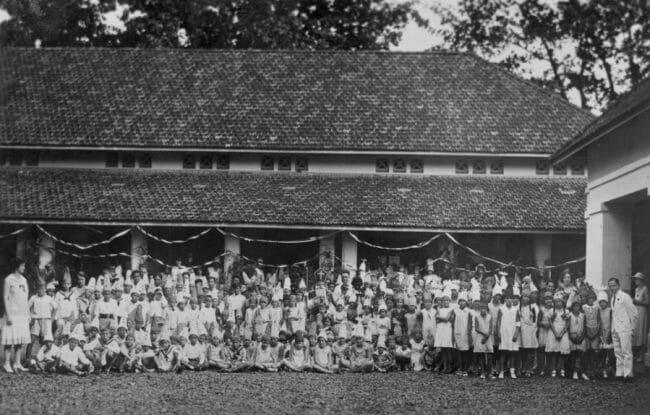 Biografi Soekarno tentang Pendidikan SD