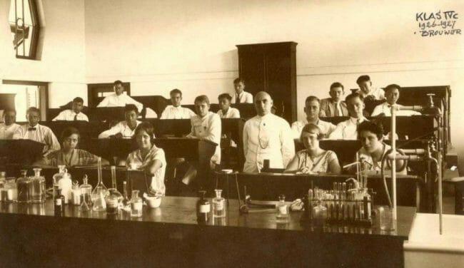 Biografi Soekarno tentang Pendidikan HBS