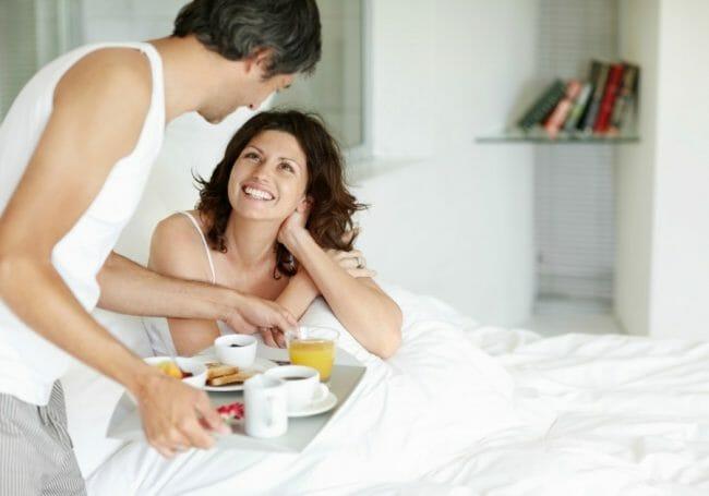 wanita suka kalau suaminya membuatkan sarapan untuknya