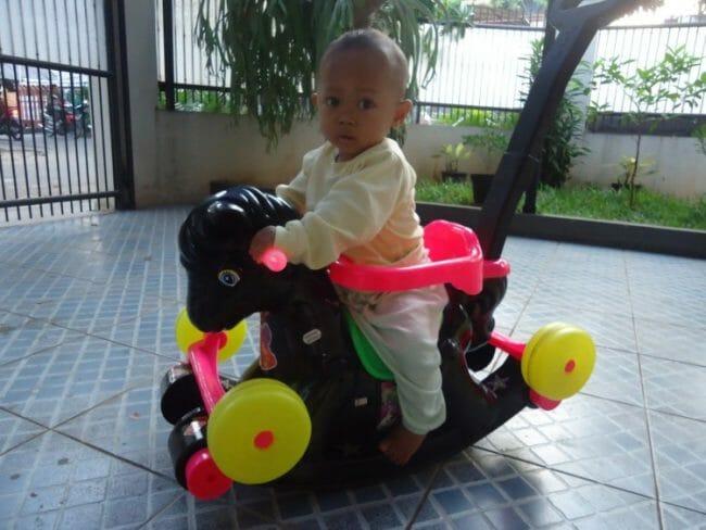 mainan bayi kuda kudaan