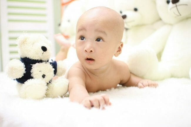 Pertumbuhan dan Perkembangan Bayi Usia 11-12 Bulan