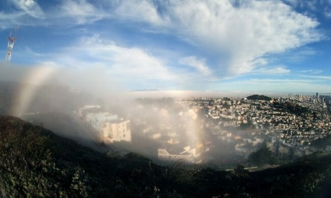 Gambar Pelangi Kabut