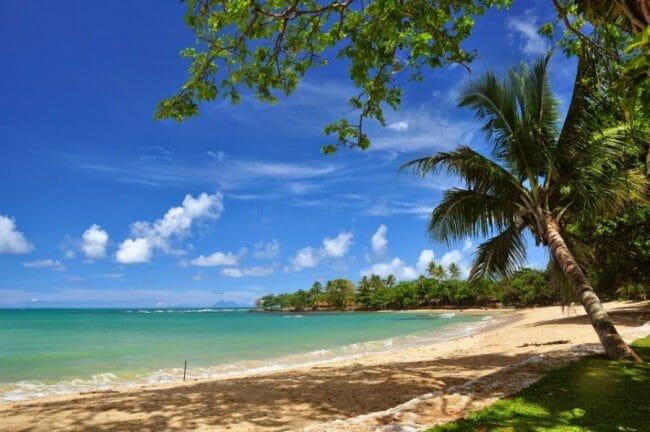Wisata di Pantai Anyer pasir putih Florida