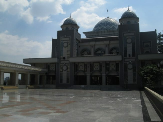 Masjid_Raya_Bogor (commons.wikimedia.org)