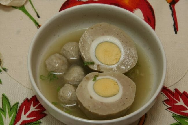 bakso ayam isi telur puyuh