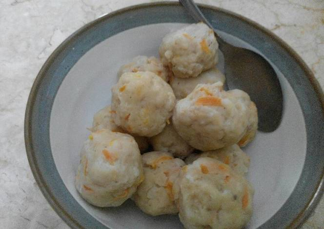 bakso campuran ayam udang wortel