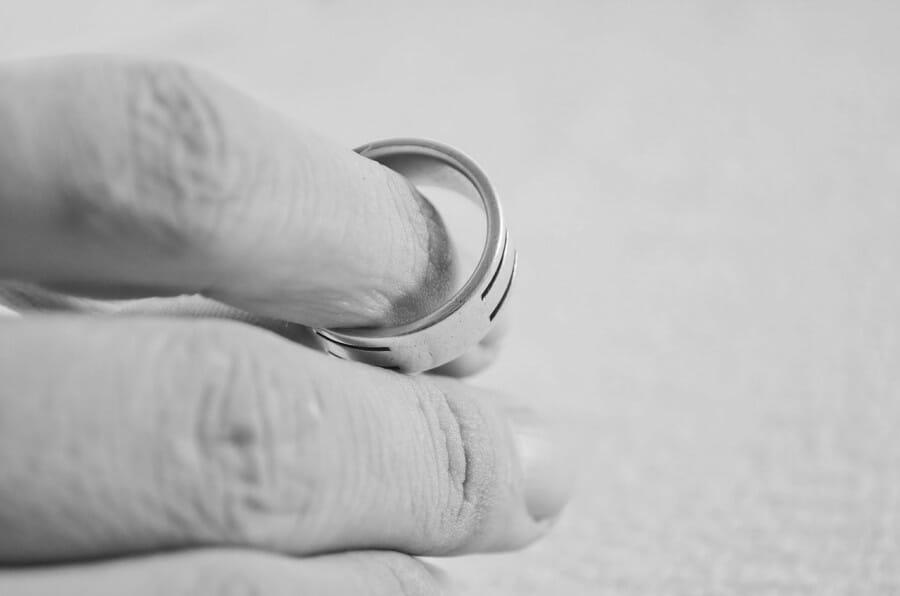 Pacaran 5 Tahun Tapi Pernikahan Cuma Bertahan 3 Tahun