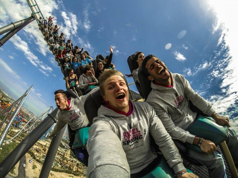 Roller Coaster Tercepat di Dunia
