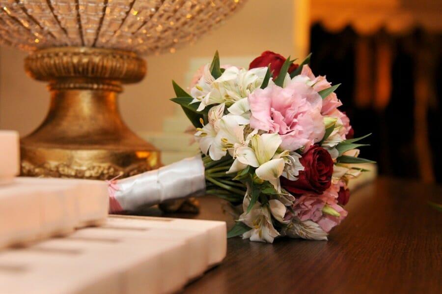 Sebagai Wujud Cinta Seorang Suami Penuhilah 4 Hak Istri Ini