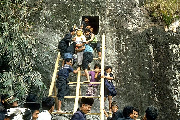 Pemakaman Suku Toraja