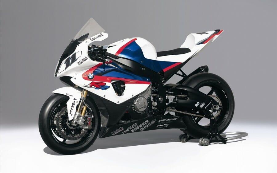Motor sport 1000cc terbaik tahun ini